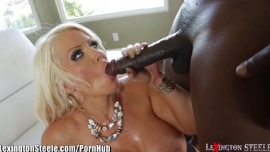 LexingtonSteele Blows Load on Busty MILF