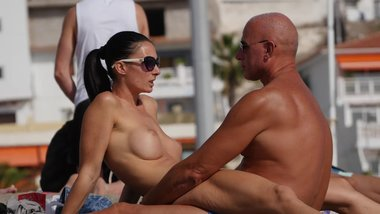 Couple Dry-Hump on Public Topless Beach