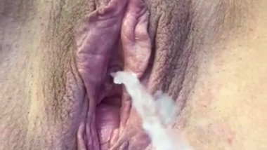 KATHERINE BROWN... Awesome big piss outdoors