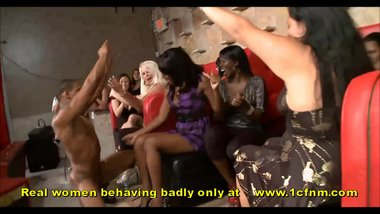 Madcap Amateur Girls Sucking Strippers Big Cocks At Bachelorette Party