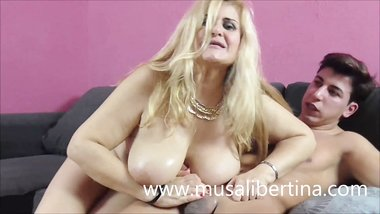 BIG TITTED MOTHER BLOWJOB, HANDJOB AND FUCKS YOUNG SON'S FRIEND