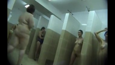 sex Moms spied in public shower room