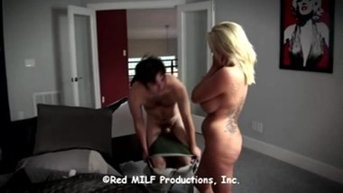 XY cuckold catches cheating wife on bed with stranger
