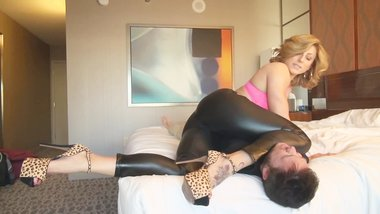 Rapture Humiliates Her Bellman And Sits On His Face