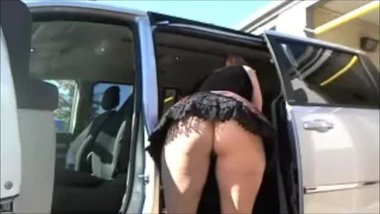 ScarletRaven Caught At The Carwash