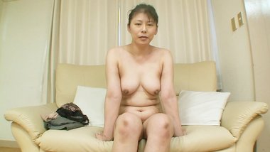 Chubby Japanese cougar is ready for creampie