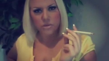 Busty Taylor Smoking 120's