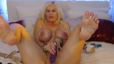 Blonde MILF KellyCabana Foot pussy & tongue tease (GREAT ASS)
