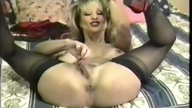 hot blonde,big pussy lips,hard nipples