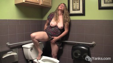 BBW Yanks Jade Orgasming In A Public Bathroom