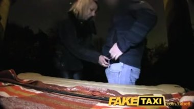 Cheating Blonde gets her kit off in taxi