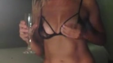 Real GORGEOUS Irish WIFE HEIDI showing off on Web Cam HOMEMADE milf step