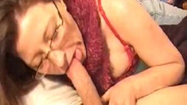 Mother does blowjob son