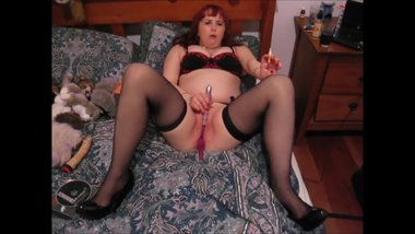 Red Head Smoking uses Vibrator